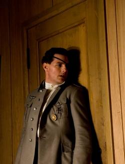 Colonel Claus von Stauffenberg (Tom Cruise)