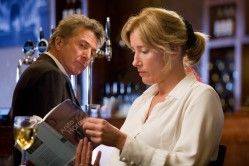 Harvey Shine (Dustin Hoffman) and Kate Walker (Emma Thompson)