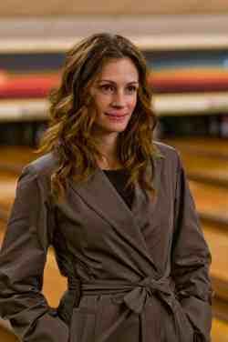 Claire Stenwick (Julia Roberts)