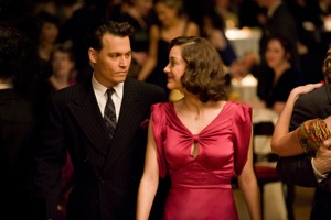 John Dillinger (Johnny Depp) and Billie Frechette (Marion Cotillard)