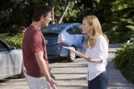 Clarke (Eric Bana) and Laura (Leslie Mann)