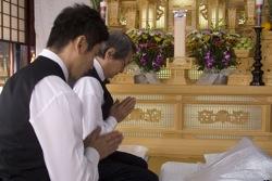 Daigo Kobayashi (Masahiro Motoki) and  Ikuei Sasaki (Tsutomu Yamazaki)