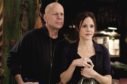 Red: Frank Moses (Bruce Willis) and Sarah Roses (Mary-Louise Parker)