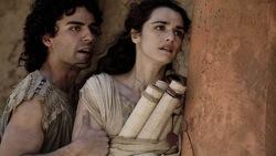Agora: Orestes (Oscar Isaac) and Hypatia (Rachel Weisz)