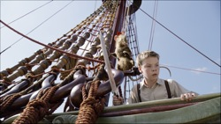 The Chronicles of Narnia: The Voyage of the Dawn Treader: Reepicheep (voiced by Simon Pegg) and Eustace (Will Poulter)