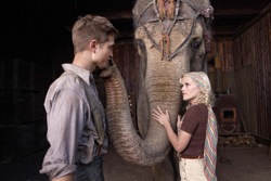 Water for Elephants: Jacob (Robert Pattinson) and Marlena (Reese Witherspoon)