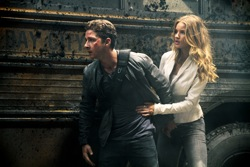 Transformers: Dark of the Moon - Sam Witwicky (Shia LaBeouf) and Carly Spencer (Rosie Huntington-Whiteley)