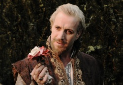 Anonymous: Earl of Oxford (Rhys Ifans)