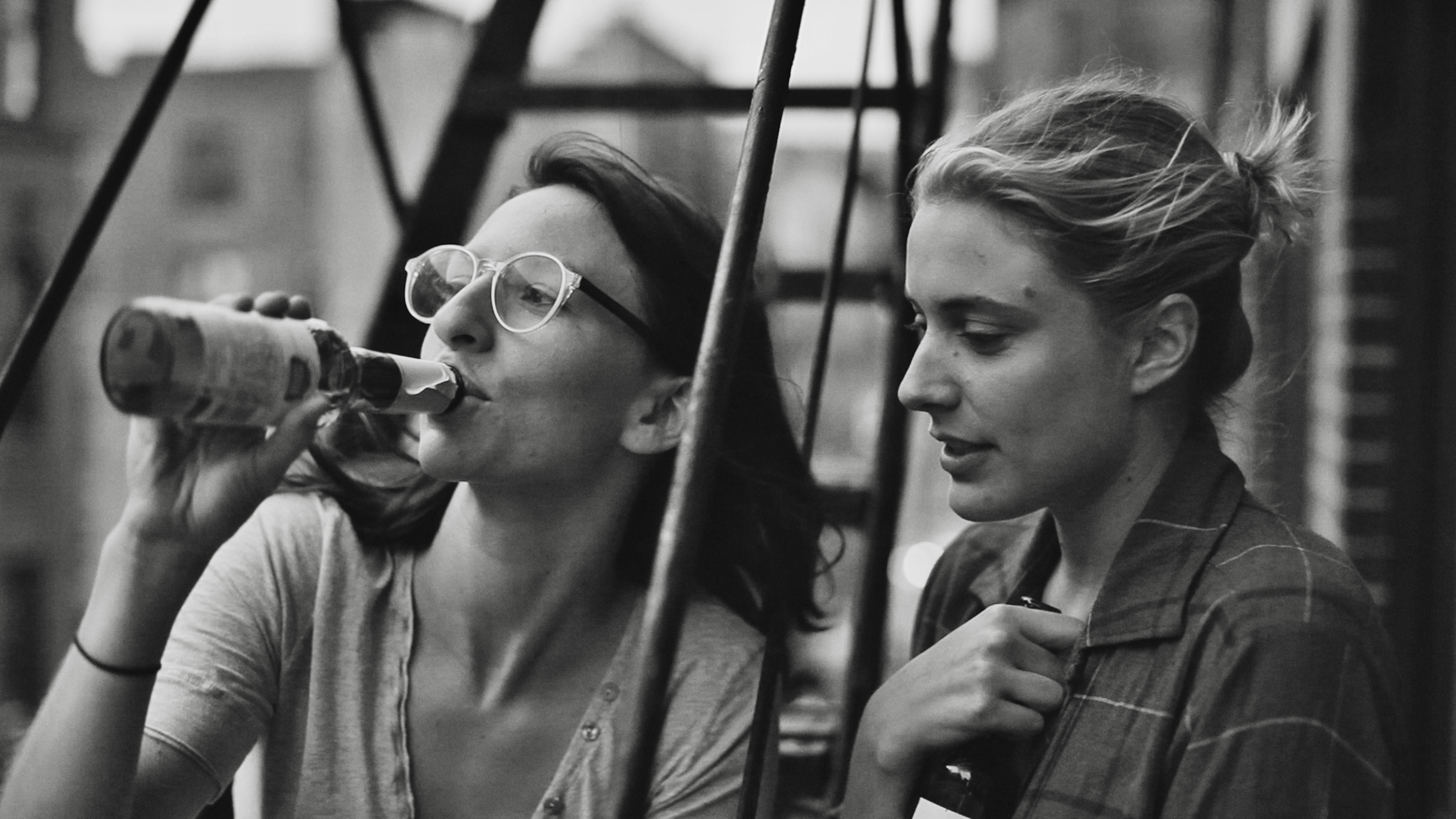 Frances Ha: Sophie (Mickey Sumner) and Frances (Greta Gerwig)