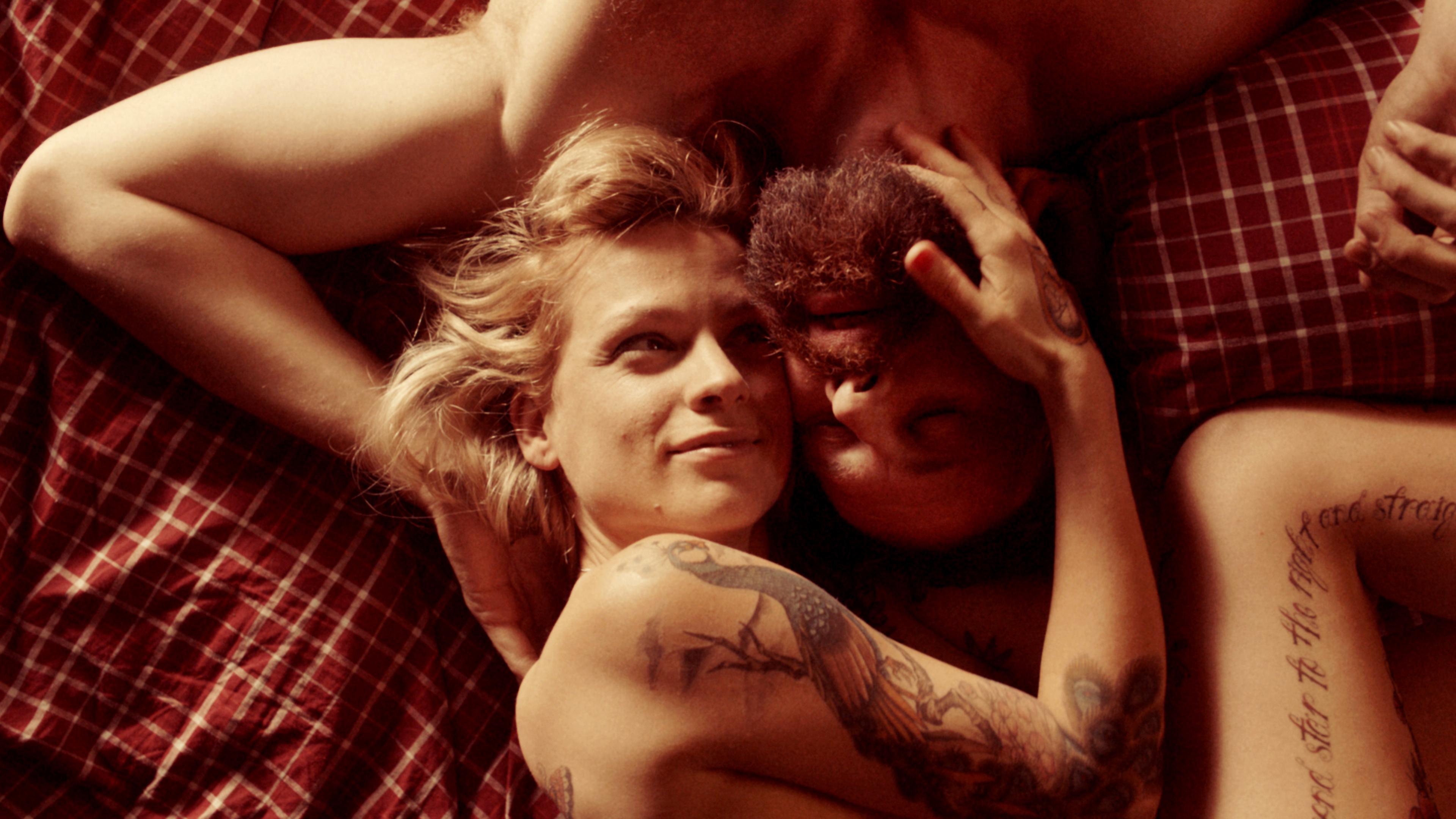 Veerle Baetens as Elise and Johan Heldenbergh as Didier in The Broken Circle Breakdown